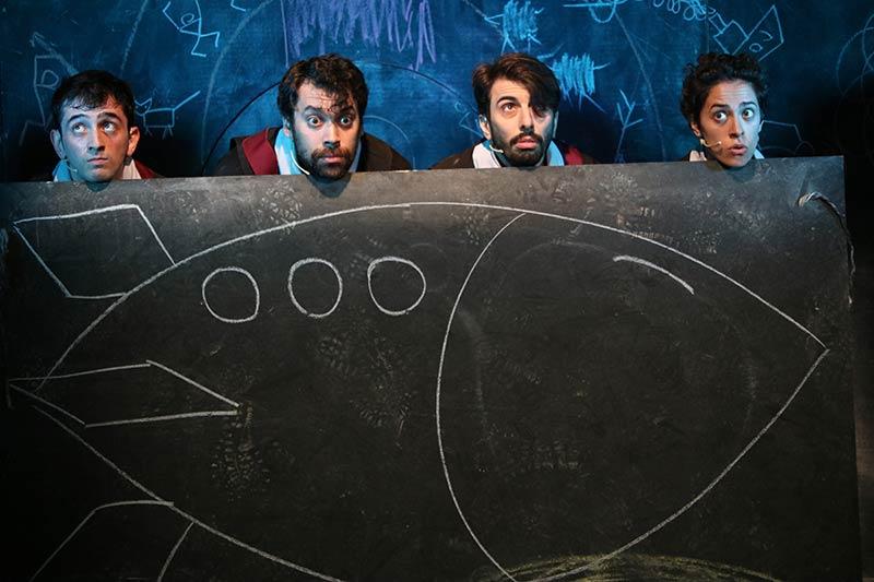 Online Çocuk tiyatrosu Yeni dünya bir uzay macerası çocuk tiyatrosu posteri
